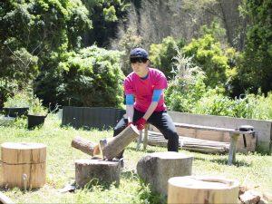 薪割り-min